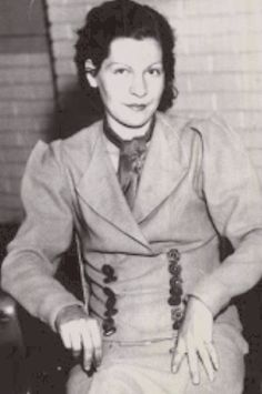 Billie Jean Parker (birth name) Billie White (alias used) Billie Mace marriage to Fred Mace) Billie Frazier marriage to Troy Frazier) Jean Moon (last married to Arthur Bourland Moon) Bonnie Parker, Bonnie Et Clyde, Bonnie And Clyde Photos, Famous Outlaws, Elizabeth Parker, Hatfields And Mccoys, Billy Jean, Al Capone, Jesse James