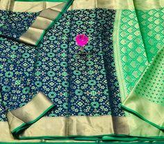 Banarasi Handloom Weaving Patola SilK Saree (6 Pcs Set) Ikkat Silk Sarees, Pure Silk Sarees, Cotton Saree, Cotton Silk, Handloom Weaving, Blouse Designs, Pure Products, Fabric, Tejido