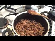 Simple and classic ragù - YouTube