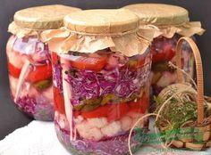 Muraturi Asortate la Rece Pickling Cucumbers, Romanian Food, Preserves, Celery, Pickles, Caramel, Herbs, Favorite Recipes, Vegetables