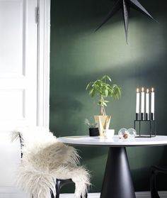 Nordsjö dark lyon Table Manners, Living Spaces, Living Room, Green Christmas, Pent House, Wall Colors, Fine Dining, Color Inspiration, Playroom