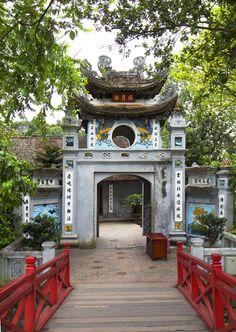Templo Ngoc Son em Hanói, Vietnã.  Fotografia: http://www.vietnamonline.com