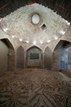 Ravenna. La Cripta Rasponi e i Giardini Pensili del Palazzo della Provincia.