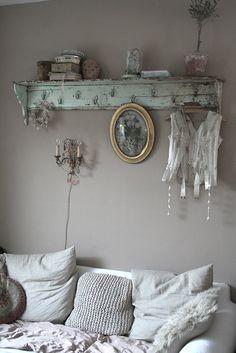 Shabby chic decor, shabby chic homes, rustic decor, vintage inter Shabby Cottage, Shabby Chic Homes, Vintage Stil, Decoration, Rustic Decor, Sweet Home, Interior Design, Inspiration, Furniture