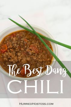 This mild chili has some unexpected ingredients in it that will make your tastebuds want to get up and dance! Chili Recipes, Slow Cooker Recipes, Vegan Recipes, Quick Weeknight Meals, Easy Meals, Side Recipes, Dinner Recipes, Tortellini Recipes, Food For A Crowd