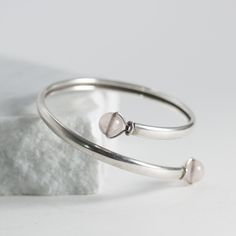 Silver and rose quartz bracelet by Rey Urban