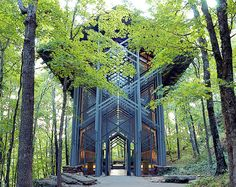 In 1980,E. Fay Jones, noted architect and apprentice to Frank Lloyd Wright,unveiled theThorncrown Chapel  amagnificent glass and timberconstruction located in the middle of a thicket near Eureka Springs, Arkansas.