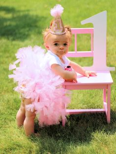 First Birthday tutu- 1st Birthday tutu- Pink and Gold tutu- Pink and Gold Birthday- Pink and Gold Dress- Cake Smash set- 1st Birthday outfit by SewsnBows on Etsy https://www.etsy.com/listing/232582378/first-birthday-tutu-1st-birthday-tutu