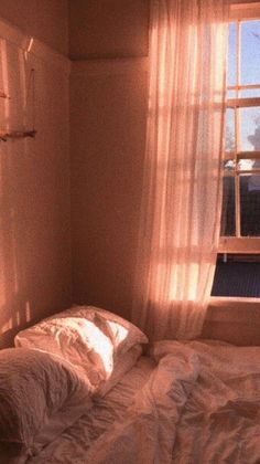 imagine waking up like this in the late afternoon after Peach Aesthetic, Aesthetic Rooms, Aesthetic Photo, Aesthetic Pictures, Cosy Aesthetic, Aesthetic Pastel Wallpaper, Aesthetic Wallpapers, Cute Wallpapers, Wallpaper Backgrounds