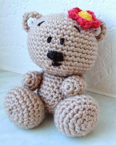 In German Crochet Amigurumi, Crochet Bear, Crochet Animals, Diy Teddy Bear, Crafts To Make, Diy Crafts, All Craft, Diy Stuffed Animals, Free Pattern