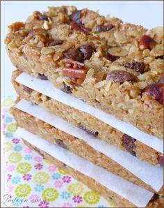Homemade cereal bars (vegan) … – The most beautiful recipes Vegan Dessert Recipes, Healthy Desserts, Raw Food Recipes, Sweet Recipes, Healthy Drinks, Healthy Recipes, Healthy Protein Breakfast, Healthy Smoothies, Muesli
