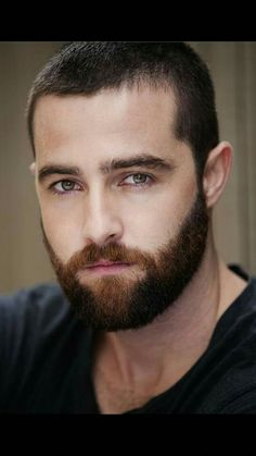Trending beard style men in Find the best beard designs and shapes for their short and long facial hair with masculine character and charm. Different Beard Styles, Beard Styles For Men, Hair And Beard Styles, Hair Styles, Mr Beard, Beard No Mustache, Sexy Beard, Great Beards, Awesome Beards