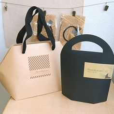 Buy Souvenir Should wrap, Souvenir Baggage & Get Gift Rolling Ideas And Cool Packaging, Luxury Packaging, Paper Packaging, Jewelry Packaging, Gift Packaging, Luxury Jewelry, Jewelry Shop, Jewelry Stores, Nice Jewelry