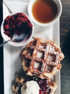 nofatnowhip: Breakfast at Cafe Medina Vancouver. nofatnowhip: Breakfast at Cafe Medina Vancouver. Source by Rebelrecipes Breakfast Crockpot Recipes, Vegetarian Breakfast Recipes, Brunch Recipes, Summer Recipes, Breakfast Bowls, Breakfast Ideas, Canada Trip, Christmas Breakfast, Kitchens