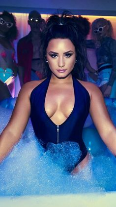 Demi Lovato is a talented artist and very popular among fans. Demi Lovato photo gallery with amazing pictures and wallpapers collection. Cuerpo Demi Lovato, Selena Gomez, Beautiful Celebrities, Beautiful Women, Beautiful Witch, Amazing Women, Beautiful People, Demi Love, Camp Rock