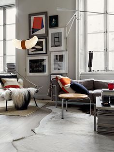 If you are living in your own house or a rental place, you can vary your interior design choice to transform your living quarters into a home. Those with a budget can use affordable interior design products in order to spruce up one room or revamp an. Nordic Interior Design, Modern Interior Design, Interior Design Inspiration, Interior Architecture, Interior Decorating, Living Room Designs, Living Spaces, Lounge Chair, Piece A Vivre