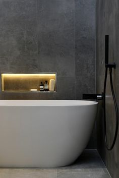 The Block Glasshouse 2014 – Chris and Jenna - Winning Main Bathroom reveal like the light in recess