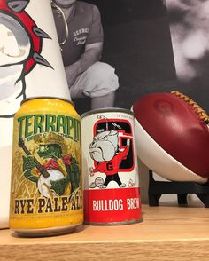 Welcome to Athens @tailgategeorgia! They've got a ton of Georgia gear plus some great local designs including Terrapin @fivepointsbottleshop @jitteryjoescoffee and more! (Plus some sweet vintage Georgia memorabilia) #my_athens #georgia #Godawgs #vintage #tailgate