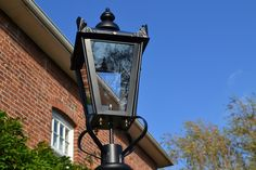 Front-Entrance-Lamp-Close-Up.jpg (1149×766)
