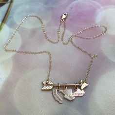 Follow Your Arrow necklace, choose the states you lived or want to live! Or include states where your friends live, would be cute long distance friendship necklace!