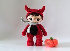 Мальчик в костюме чертика амигуруми. Хэллоуин. Схема вязания.