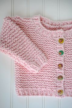 Free Knit Pattern for an Easy Garter Stitch Cardigan for Babies Ravelry Free Knitting Patterns, Free Childrens Knitting Patterns, Free Baby Blanket Patterns, Baby Cardigan Knitting Pattern, Crochet Baby Cardigan, Baby Knitting, Sweater Patterns, Knitting Tutorials, Vintage Knitting