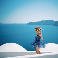 少しでも涼しく!白・青を使った夏を楽しむファッションテク - Locari(ロカリ)