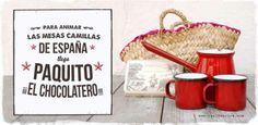 El cestito incluye:  - Dos tazas rojas de peltre pequeñas - Chocolatera de peltre - Tableta de chocolate a la pedra Simón Coll y Cestito pequeño de palma.