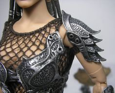 i like the armor for shoulders with wings?! #waelcyrge Style Emo, Cosplay Kostüme, Steampunk Cosplay, Costume Accessories, Armor Shirt, Armours, Fantasy Armor, Fantasy Dress, Corset