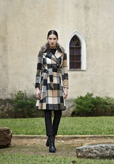 Winter Collection, Winter Jackets, Fashion, Winter Coats, Moda, Winter Vest Outfits, Fashion Styles, Fashion Illustrations