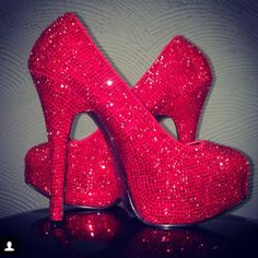 ♥♥ red sparkly heels