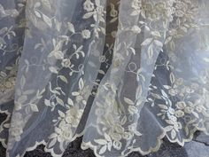 Beautiful Floral Lace Fabric Ivory Organza Sheer Fabrics Bridal Lace Wedding Gown Fabric By the yard