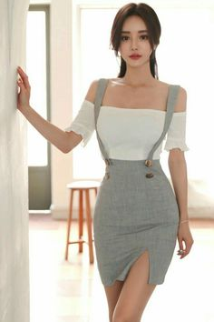 Asian model Source by asitica Teen Fashion Outfits, Mode Outfits, Girl Fashion, Fashion Dresses, Womens Fashion, Woman Outfits, Fashion Edgy, Grunge Fashion, Fashion Fall