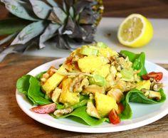 Lunch salade met ananas en kip