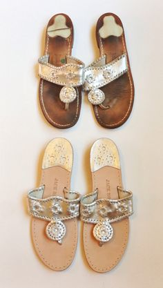 jack rogers - come on summer Dream Shoes, Crazy Shoes, Me Too Shoes, Preppy Style, My Style, Jack Rogers Outfit, It Goes On, Shoe Closet, Sock Shoes