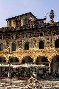 Piazza Ducale, Vigevano,province of pavia Lombardia (Sergio Locatelli)