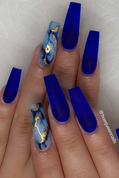 Do you need a new design for your nails? Have you not found the perfect nail idea yet? If so, come to our website for inspiration. We have found 48 Concise Acrylic Coffin Nails Designs and Ideas. Dark Blue Nails, Blue Coffin Nails, Blue Acrylic Nails, Summer Acrylic Nails, Nail Art Blue, Summer Nails, Cool Nail Art, Cobalt Blue Nails, Marbled Nails