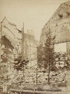 Théatre de la Porte Saint Martin - Insurrection de Paris, 1871 / Wulff Jeune phot.