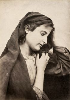 Sicilian woman, Italy, photo by Wilhelm von Gloeden,  circa 1890