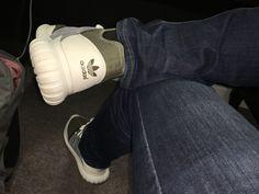 Mi Adidas tubular radial