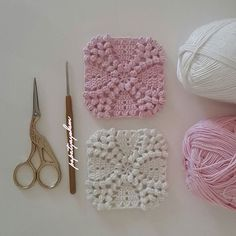 papatyayshem crochet bobble texture squares. What an awesome afghan this motif would make ༺✿ƬⱤღ http://www.pinterest.com/teretegui/✿༻