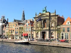 Best Places To Travel, Vacation Places, Places To See, Places Around The World, Around The Worlds, Haarlem Netherlands, Day Trips From Amsterdam, One Day Trip, Colourful Buildings