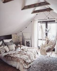 20 ideas for a cosy bedroom. Lights and photos Credit White & cosy bedroom ideas Related read:Beautiful studio apartments Bedroom ideas for traveller… Dream Rooms, Dream Bedroom, Summer Bedroom, Woman Bedroom, White Bedroom, Coastal Bedrooms, Luxury Bedrooms, Attic Bedrooms, Master Bedrooms