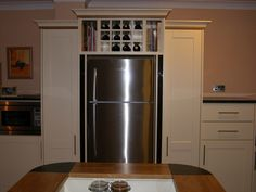 Should put a matching cupboard on the other side of my fridge, like this one.. What I have now is a waste of space.