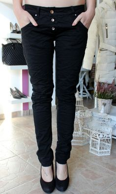 Black trousers Trouser Jeans, Black Trousers, Black Jeans, Capri Pants, Fashion, Bebe, Black Slacks, Moda