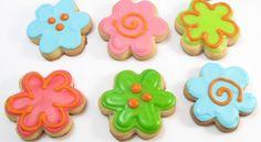 Cómo decorar galletas con Royal Icing (glasé real) http://www.entrechiquitines.com/recetas/como-decorar-galletas-con-royal-icing-glase-real/