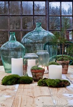 Jul på altanen , Nu börjar vi närma sig jul och jag har tagit julledigt from… Large Glass Jars, Antique Glass Bottles, Glass Jug, Vintage Bottles, Bottles And Jars, Terrazas Chill Out, Bottle Vase, Glass Design, Home Decor