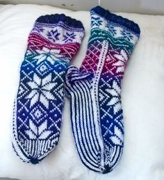 Drops design Drops Design, Socks, Fashion, Craft Work, Moda, Fashion Styles, Sock, Stockings, Fashion Illustrations