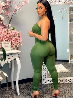 Thick Girls Outfits, Curvy Girl Outfits, Thick Girl Fashion, Curvy Women Fashion, Dope Swag Outfits, Sexy Outfits, Beautiful Black Women, Beautiful Curves, Sexy Curves