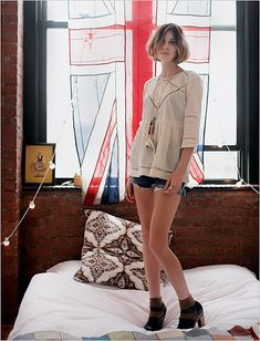Alexa Chung's home: urban edgy apartment in Brooklyn, NYC | Top Celebrity Homes